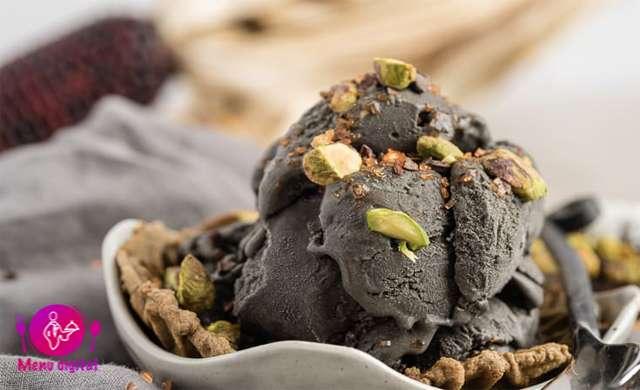 مراحل دستورالعمل خوش طعم و فایده بخش بستنی سیاه